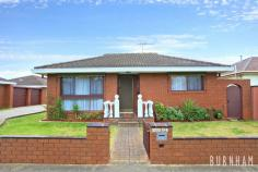 12/28 Stanhope Street WEST FOOTSCRAY VIC 3012 This is the one you have been waiting for. A well presented villa in one of West Footscray's premiere streets. A short stroll to all conveniences makes this a perfect low maintenance residence or investment property. Comp. of 2 bedrooms with spacious lounge, separate kitchen/meals area plus garage. Act now as opportunities like this are seldom offered.